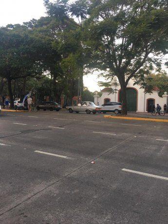 Cuatro personas protestaban en la Quinta de Olivos por las restricciones