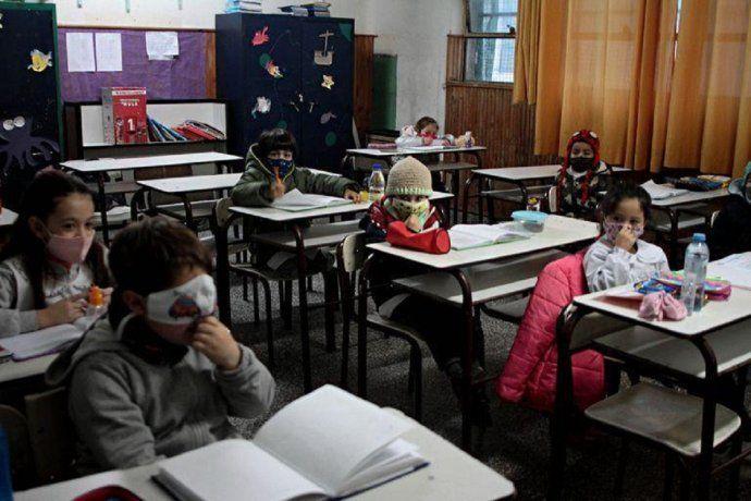 Más de 4 millones de chicos de la provincia de Buenos Aires vuelven a clases presenciales cuidadas