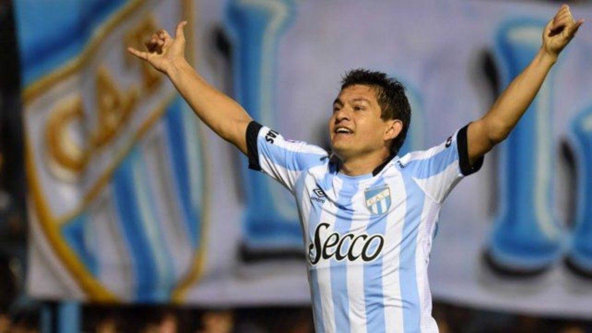 Atlético Tucumán quiere repatriar al Pulga Rodríguez