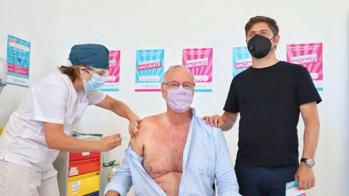 Vacuna para mayores de 60: Daniel Gollan fue el primero en recibirla