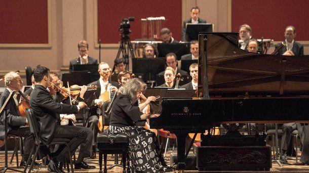 El concierto brindado en 2019 por la pianista Martha Argerich bajo la batuta de Zubin Mehta al frente de la Orquesta Filarmónica de Israel en el Teatro Colón.