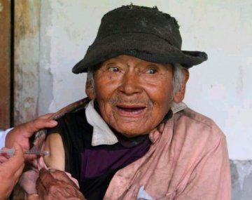 Mashico tiene 121 años y fue vacunado contra el coronavirus