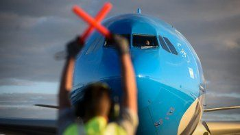 nuevo vuelo a moscu de aerolineas argentinas en busca de una importante cantidad de dosis
