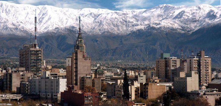 Un fuerte sismo sacudió a Mendoza en la madrugada de este miércoles