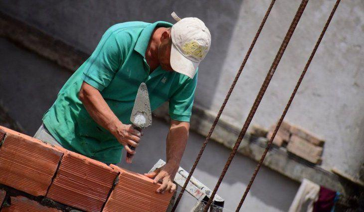Alberto Fernández anuncia la conversión de planes sociales en trabajo en la construcción