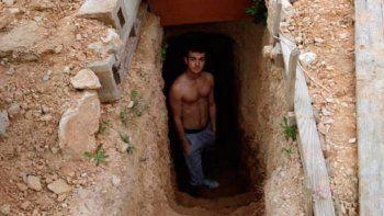 la historia viral del chico de 14 anos que empezo haciendo un agujero en el jardin y hoy vive en su casa-pozo