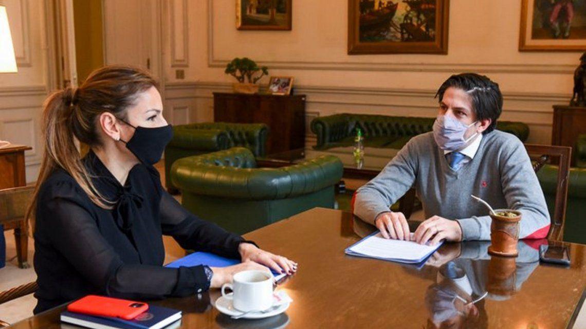 el-ministro-deeducaciondenicolas-trotta-y-la-ministra-educacion-la-ciudad-soledad-acuna-fototrottani
