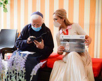 Fabiola Yañez destacó el trabajo social de monjas italianas