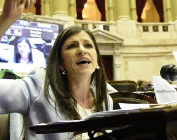 Diputada Vallejos cruzó fuerte a Vidal: ¿Sabe cómo no se educa? Dejando sin trabajo a los padres