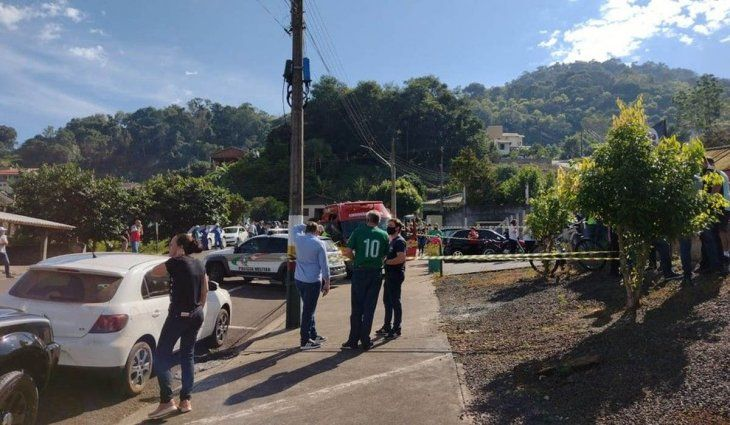 Brasil: un adolescente mató a tres niños y una maestra en jardín de infantes