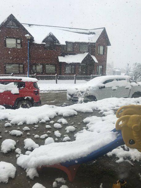 Nieve el Ushuaia. Foto @JulioMarquez88