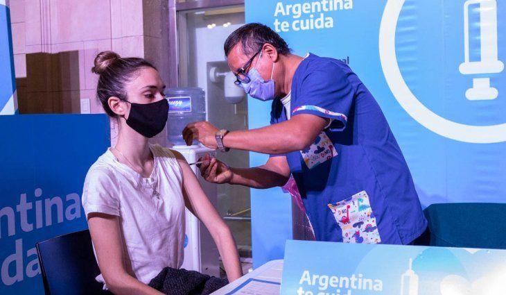 Argentina lleva más de 100 días con un sostenido descenso de casos por coronavirus