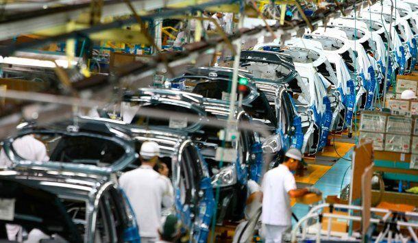 Industria automotriz: subió la producción y el consumo interno de vehículos