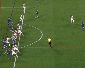 El gol que le anularon al Cuti Romero: ¿estaba en posición adelantada?