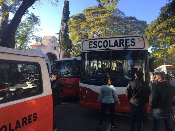 Ciudad: las escuelas abren sus puertas a pesar de un fallo que impide clases presenciales y de que hay paro docente