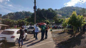 brasil: un adolescente mato a tres ninos y una maestra en jardin de infantes