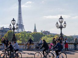 francia ofrece 1.500 euros a los que cambien el auto por la bicicleta electrica