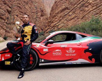 El Barón Rojo: el piloto italiano que quiere vencer a Google Maps abordo de una Ferrari