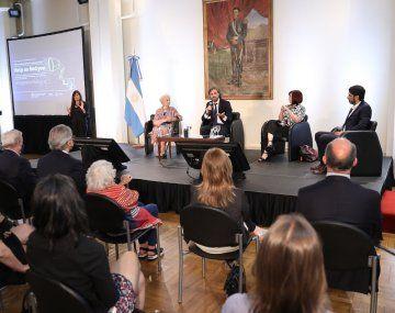 Cafiero y Estela de Carlotto destacaron la importancia de la campaña global por el Derecho a la Identidad