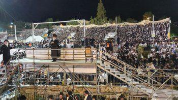 desastre en israel: decenas de heridos de gravedad al derrumbarse una tribuna