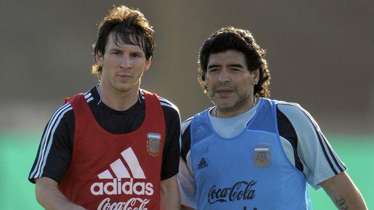 El patrimonio que dicen que le quedó a Diego Maradona equivale a un mes de sueldo de Lionel Messi