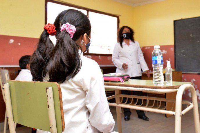 Se quintuplicaron en las escuelas porteñas los casos de coronavirus