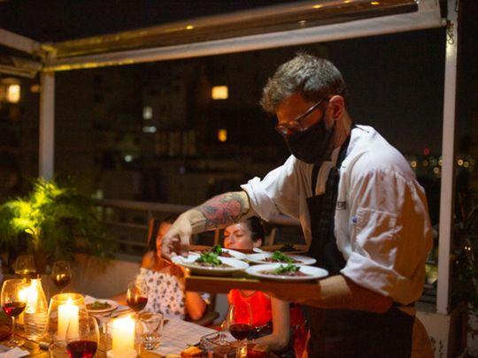 Como en un restaurante, pero en casa: cómo pedir cocineros a domicilio
