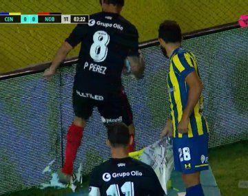 Clásico de Rosario: se detuvo el juego por un dron y Pablo Pérez lo destruyó