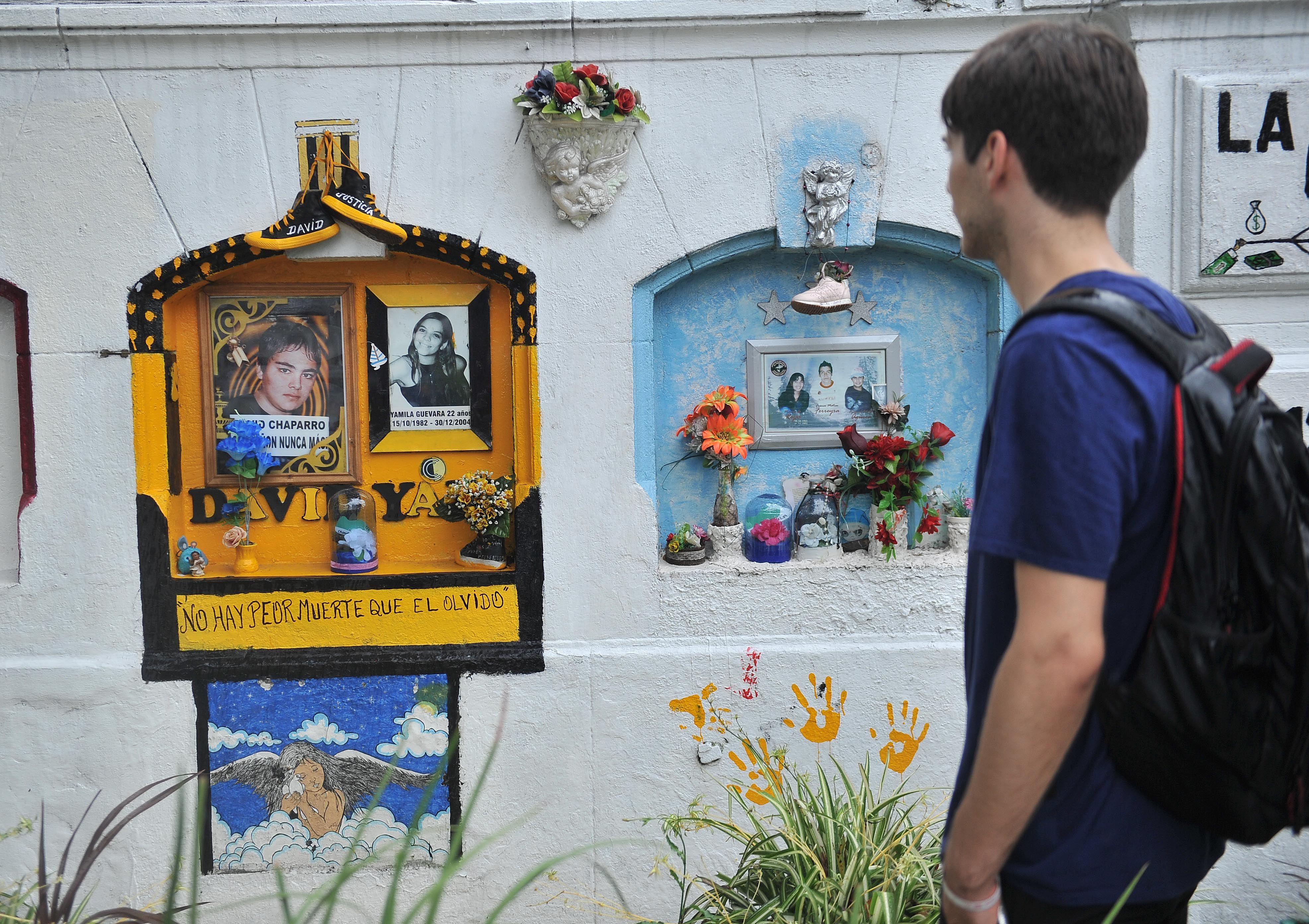 Ciudad: iluminarán los monumentos de azul para recordar a las víctimas de Cromañón