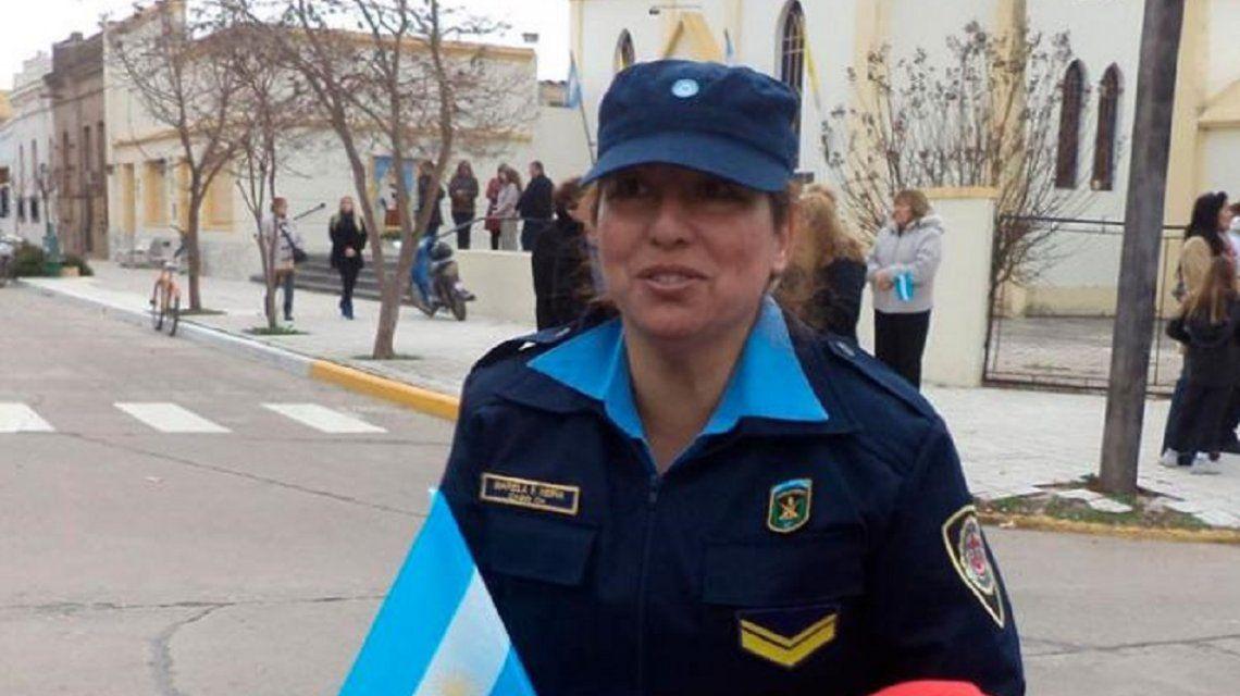 Una policía denunció a su superior por acoso sexual: la echaron y al acusado lo ascendieron
