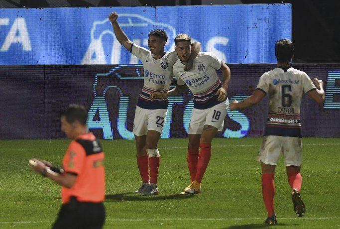San Lorenzo le ganó a Platense y es el único escolta de Colón