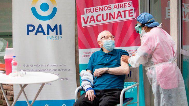 La provincia de Buenos Aires presentará este miércoles un informe sobre la combinación de vacunas