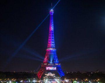 Messi al PSG: reservan la Torre Eiffel para el 10 de agosto