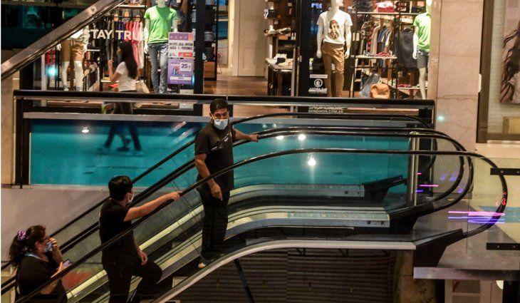 Shoppings, restoranes y negocios: así funcionarán los comercios con las nuevas restricciones