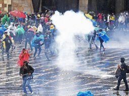 colombia: violentos enfrentamientos frente al congreso