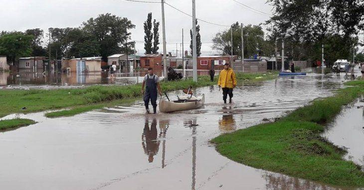 Fuerte temporal en Santa Fe y Entre Ríos: hay evacuados y rutas cortadas