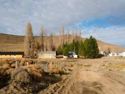 el pequeno pueblo de neuquen en el que tuvieron que aislar hasta al intendente