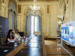 carla vizzotti y cecilia nicolini iniciaron conversaciones con china e israel para la produccion local de vacunas