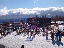 vacaciones de invierno: a pesar de la pandemia, los destinos turisticos se preparan para recibir a los fanaticos de la nieve