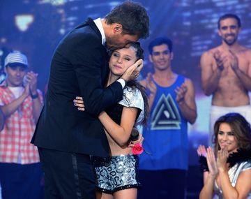 La hija de Tinelli emocionó a su padre en la final de Bailando