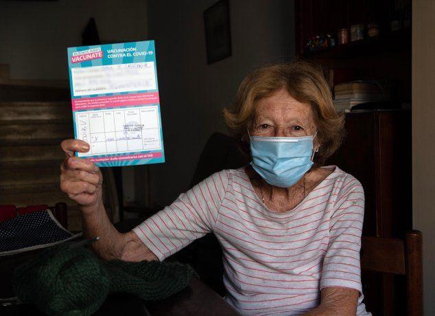 Un médico planteó frenar el plan de vacunación contra el coronavirus