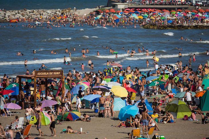 Verano 2021: el protocolo para playas públicas de mar, río o lagos y balnearios privados