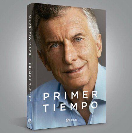 Ante las flojas ventas, Mauricio Macri regala libros por Instagram