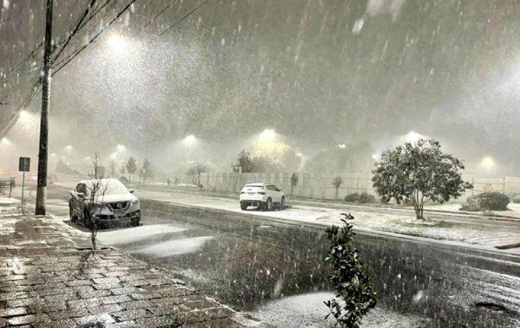 VIDEOS: Intensas nevadas en Brasil, mientras que en la Argentina reina la sequía
