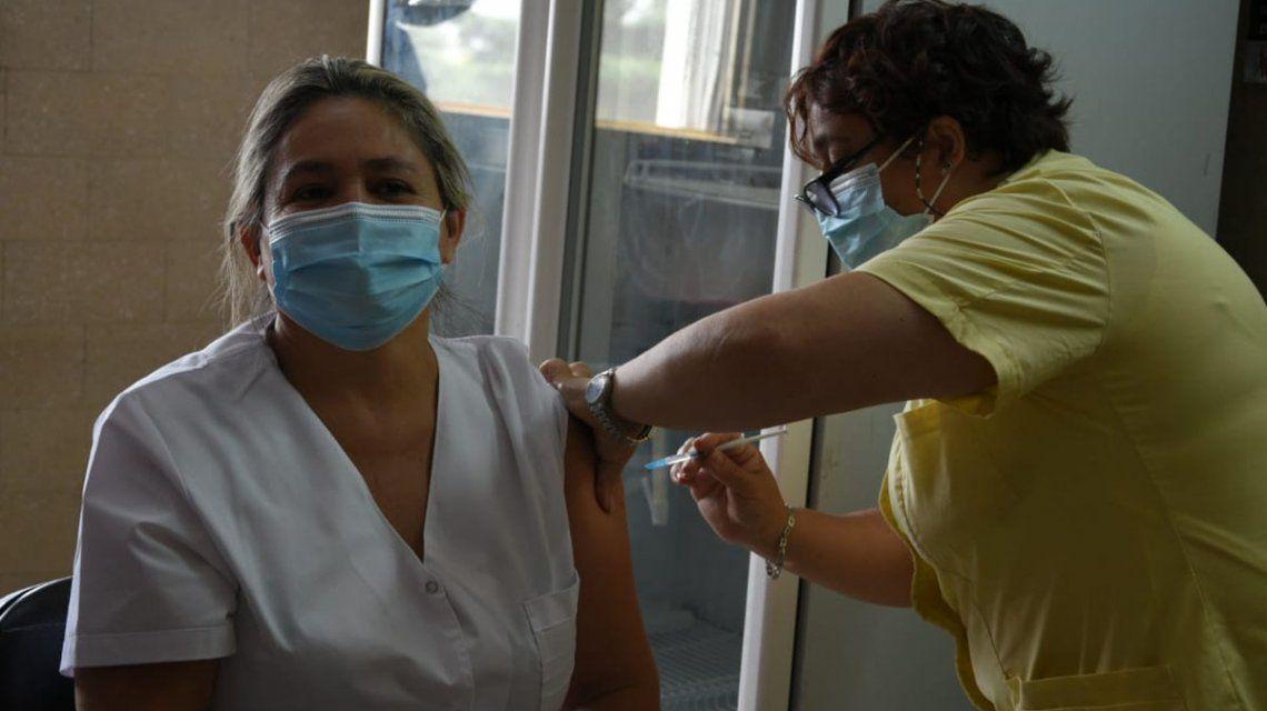 Más de 2 mil personas ya completaron las dos dosis de la vacuna Sputnik V