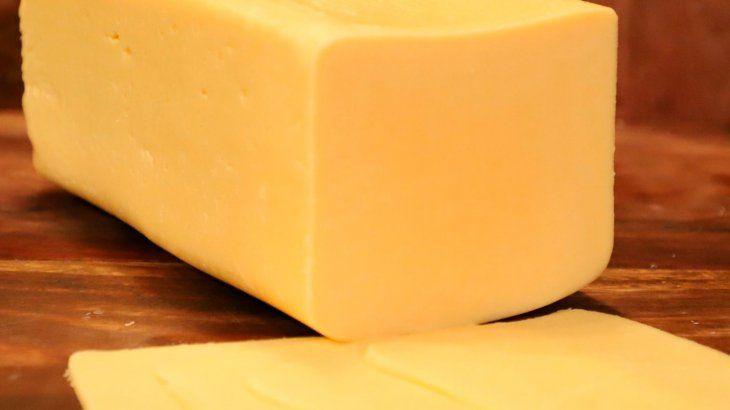 La Anmat prohibió la venta de dos quesos y dos productos usados para depilación definitiva