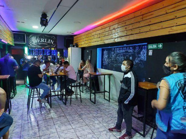 Clausuran cuatro bares y restaurantes en la Ciudad por incumplir las restricciones
