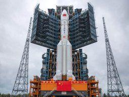 En vivo: dónde está ahora el cohete chino que caerá en la Tierra