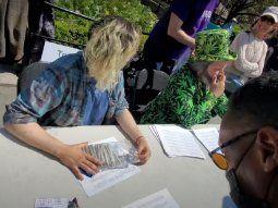 nueva york: regalan marihuana a los vacunados de coronavirus