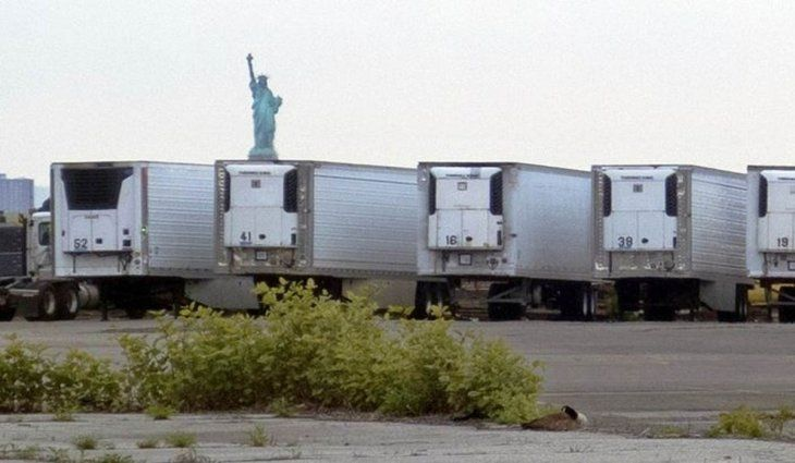 Nueva York: todavía quedan 750 muertos por coronavirus almacenados en camiones frigoríficos